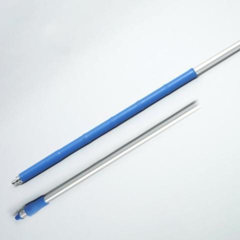 Ergonomischer Stiel Aluminium 1,50 m, Ø 32 mm, mit Wasserdurchlauf | blau | für System Außengewinde mit Innensechskant | Temperaturbeständigkeit: bis 120 °C